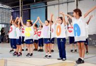 Em clima de amizade, alunos celebram valores da data comemorativa. (Foto: Gian Cornachini)